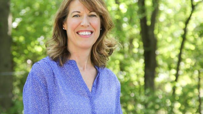 Cynthia Axne announced June 2 she will run for Congress in Iowa's 3rd District.