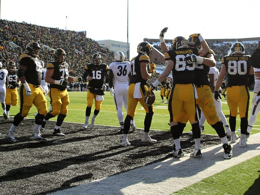 635871236205180656-IOW-1121-Iowa-fb-vs-Purdue-17.jpg