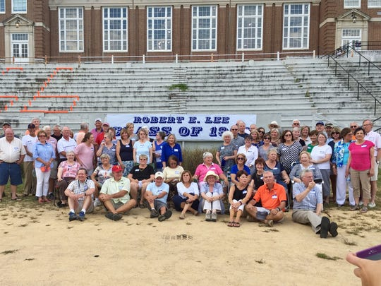 Reunion photo of  the Robert E. Lee High School class