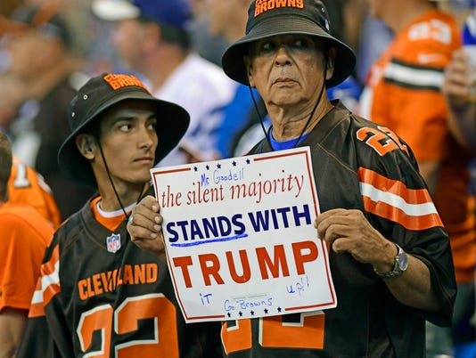 USP NFL: CLEVELAND BROWNS AT INDIANAPOLIS COLTS S FBN IND CLE USA IN