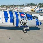 Themed plane smackdown: 'Star Wars' vs. Hello Kitty