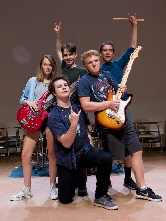 636371957329453891-school-of-rock.jpg