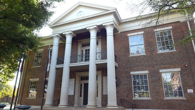 Williamson County Courthouse is on National Register of Historic Places.