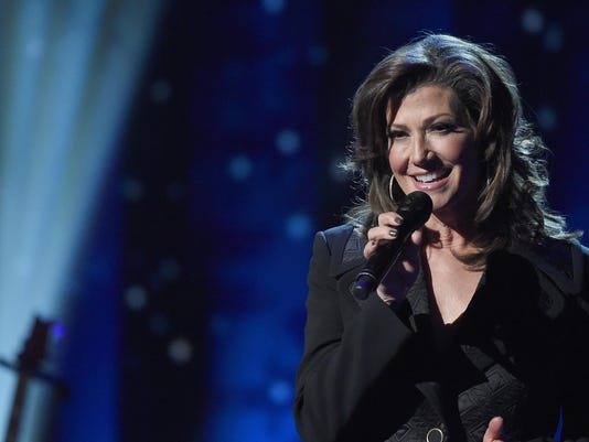 Amy Grant Christmas.Singer Amy Grant To Bring Nostalgia To Fox Theatre