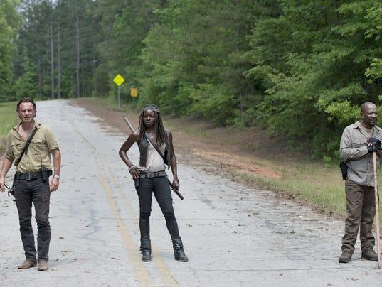 New season of 'Walking Dead' starts with a bang