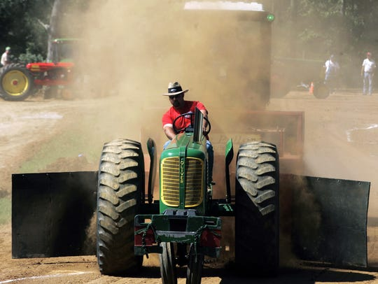 Tennessee Valley Pioneer Power Association brings truck and tractors pulls to Eagleville this summer and fall.