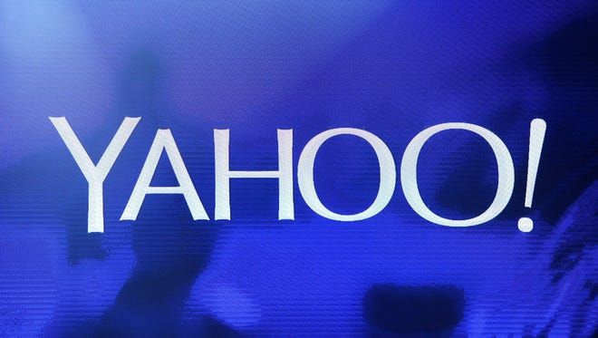 Yahoo is partnering with online review site Yelp.