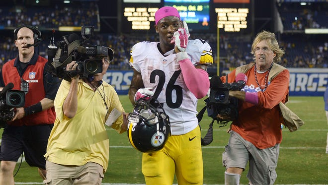 Pittsburgh Steelers running back Le'Veon Bell jogs off the field after a 24-20 win over the San Diego Chargers at Qualcomm Stadium.