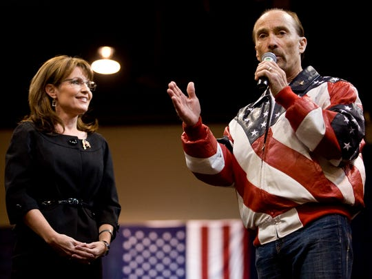Singer Lee Greenwood with Republican vice presidential