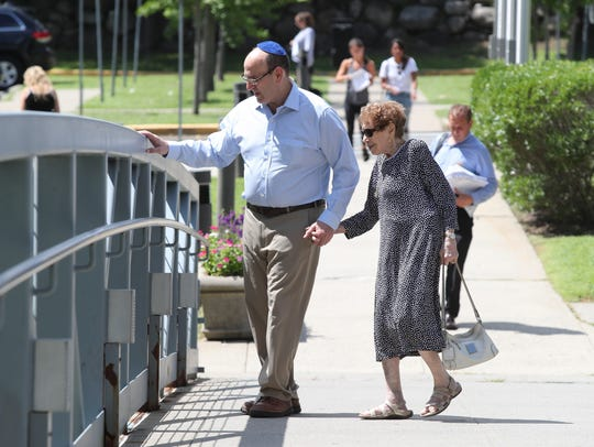 "David ""Skip"" Storch enters the Rockland County Courthouse"