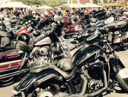 635782817189890809-motorcycles-galore