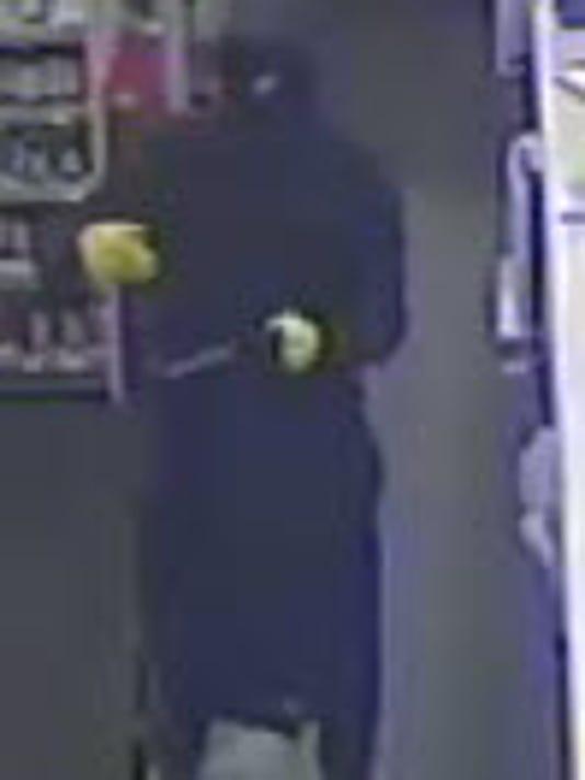 636553447559817331-Linden-Walgreens-robbery-suspect.jpg