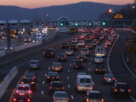 Traffic heads west toward the Tappan Zee Bridge in