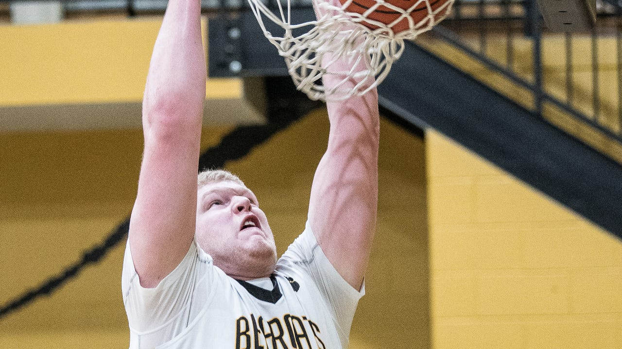 Paint Valley's Dylan Swingle becomes the SVC's all-time scoring leader.