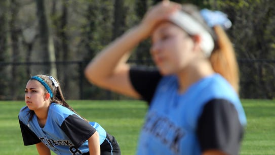 Ardsley defeats Rye Neck 19-4 during girls softball