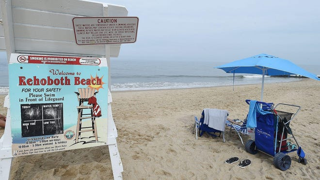 Chuck Snyder photo Some beach areas of Rehoboth Beach were posted with warning signs because of high bacteria levels in a recent water quality test. Some beach areas of Rehoboth Beach are posted with warning signs because of high bacteria levels in a recent water quality test.