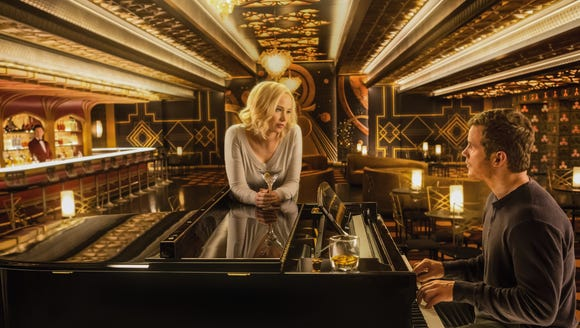 Jennifer Lawrence and Chris Pratt have a piano bar