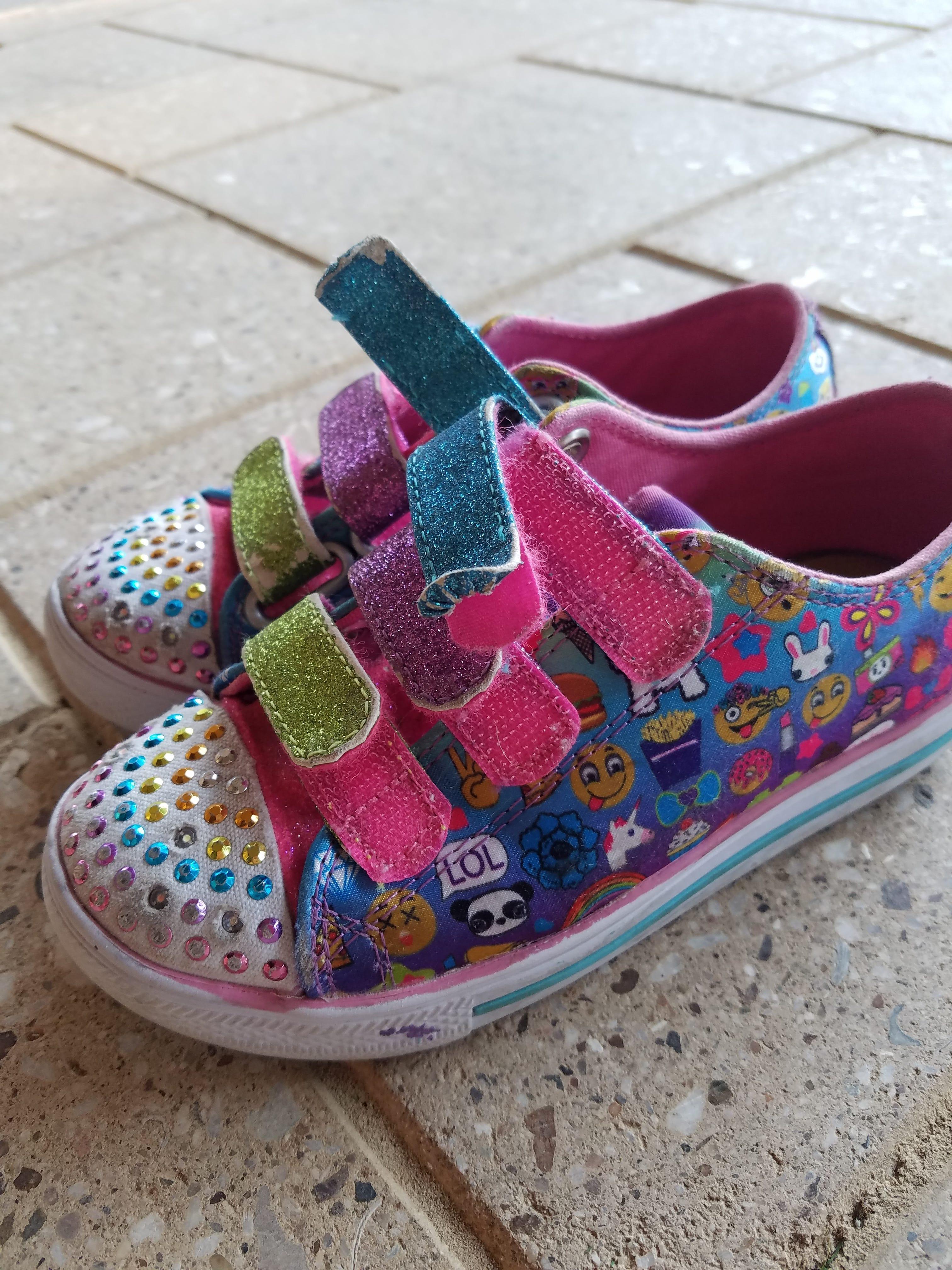 kids-shoes-fall-apart-bad-quality