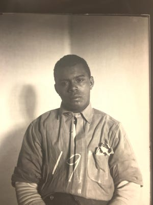 Clifton Breckenridge awaiting execution at the Virginia State Penitentiary in Richmond, 1909.