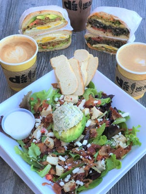 D'Lite Healthy On The Go opens its newest location in north Scottsdale.