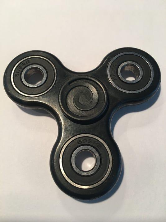 636281390886646370-fidget-spinner.jpg