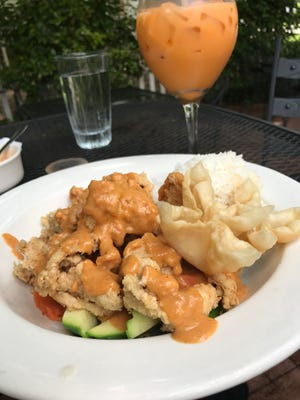 Rama Thai has dozens of lunch specials for $6.99 each.