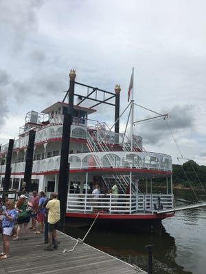 Friday nights from 4-8 p.m., the Harriott II riverboat has a new dockside happy hour for guests to enjoy at Riverfront Park.