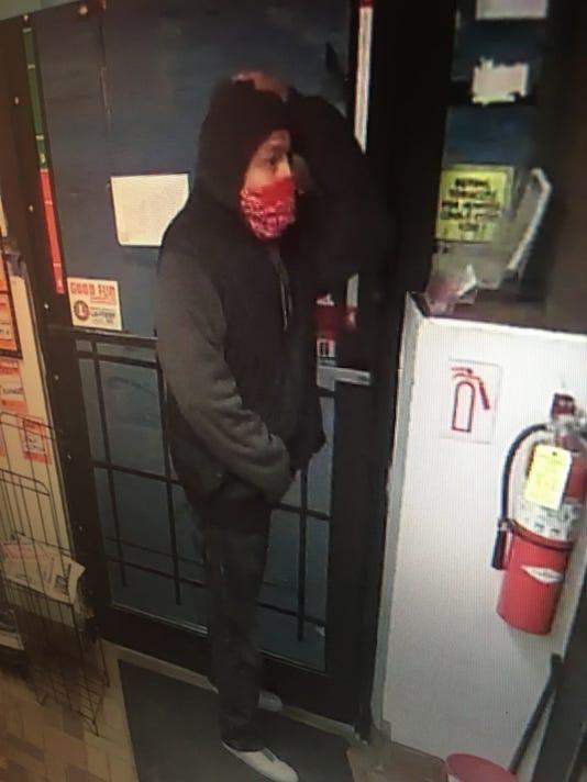 636349427979645825-7.5-robbery-suspect.jpg