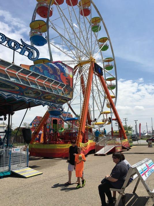 636364240213718602-carnival-1.jpg