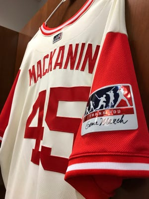 Phillies manager Pete Mackanin honors former Philadelphia manager Gene Mauch, who he played for in Montreal and Minnesota, on a special patch worn on the Players Weekend jerseys.