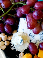Champignon Cambozola grand noir is a super-creamy and meltalbe cheese from Germany.