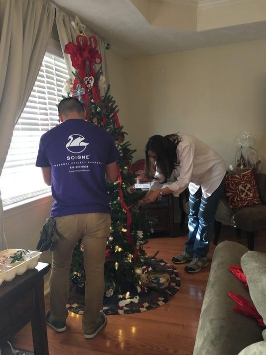 636505806613624874-christmas-tree.jpg