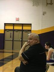 Benton assistant coach Richard Cox