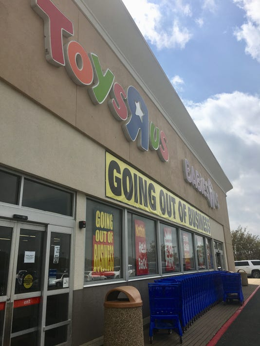Time Running Out To Use Toys R Us Gift Cards