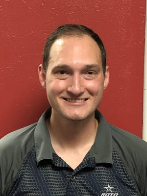 Uniontown right-hander Joe Hostetler overcame a broken thumb insert in his ball and a difficult tournament oil pattern to stop Akron's Don Hogue 195-189 and capture Sunday's Stark County return to tournament bowling at AMF Hall of Fame Lanes.