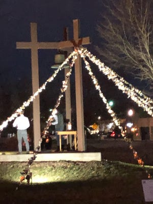 The First Presbyterian Church of Holt has created an installation of more than 500 doves, each representing 1,000 lives lost to the pandemic.