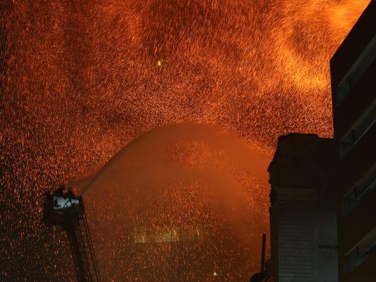 AP_APTOPIX_Des_Moines_Fire