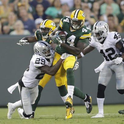 Green Bay Packers running back James Starks (44) runs