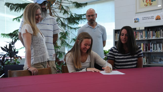Owen's Sarah Muncy has signed to play college volleyball for Montreat.