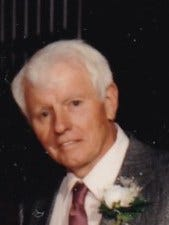 Allan Morgan Washburn,85, passed away May 2, 2015.  He was born July 31, 1929 in Bethel, Connecticut to Benjamin and Ethel Washburn.  He grew up in Bethel and graduated from Bethel High School in 1948.