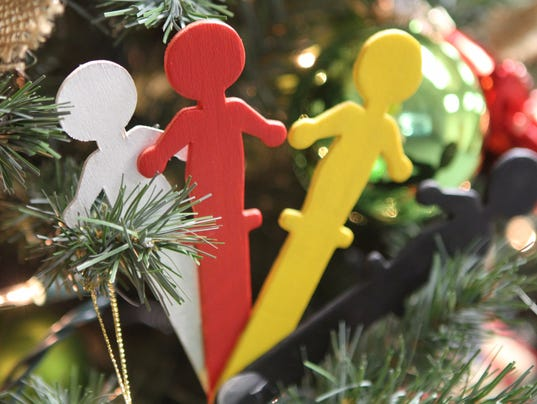 636475742371173499-Christmas-Tour-of-Trees-16-.jpg