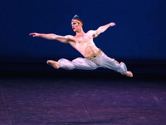 Les-Ballets-Trockadero-de-Monte-Carlo-204-photo-credit-Marcello-Orselli.jpg