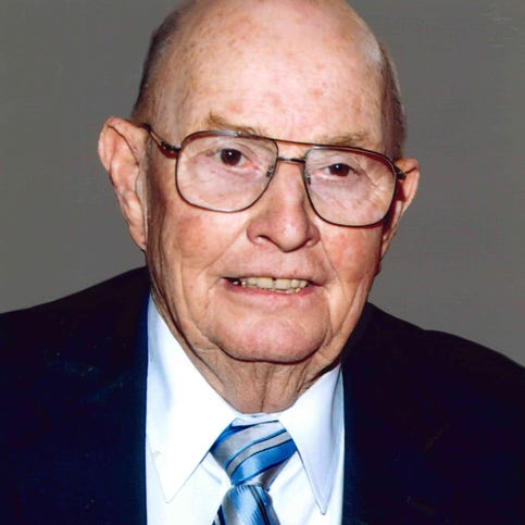 Howard C. Peterson, a noted Indianapolis developer and the father of a former mayor of the city, died on Friday, Aug. 29, at the age of 84. Funeral services will be held on Friday, Sept. 5, at Advent Evangelical Lutheran Church, 11250 N. Michigan Road, Zionsville.