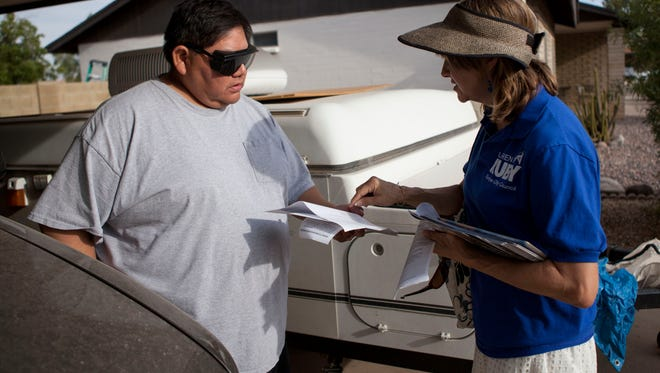 Candidate Lauren Kuby, who is running for Tempe City Council, canvass in Tempe neighborhoods.