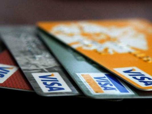 635507122805760009-credit-card