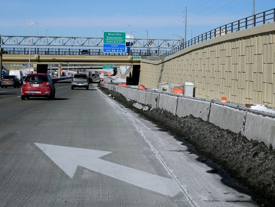 The state Department of Transportation has abandoned plans to help traffic move more smoothly through a stretch of the Zoo Interchange.