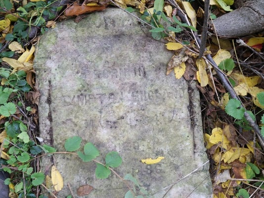 636135194336574603-TY-102316-NEWLY-DISCOVERED-GRAVE.jpg