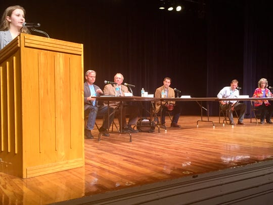 Student Amanda Penley introduces candidates April 27 at the gun violence forum at Helena Middle School.