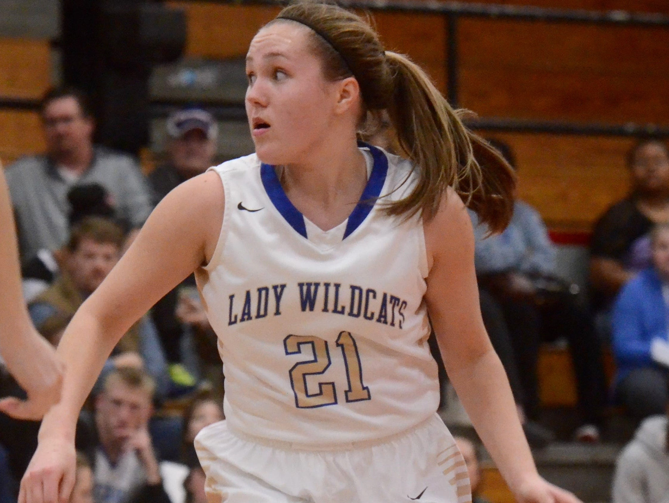 Wilson Central's Kendall Spray owns three TSSAA 3-point shooting records in her career.
