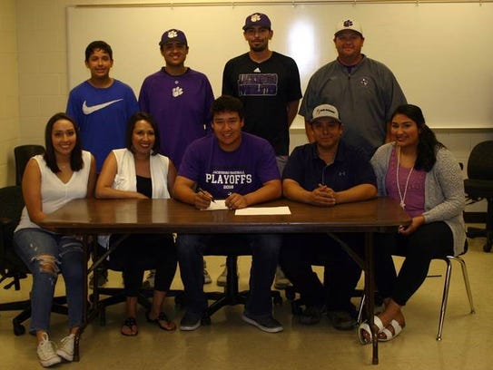 Jacksboro pitcher Clay Botello is seen with his family